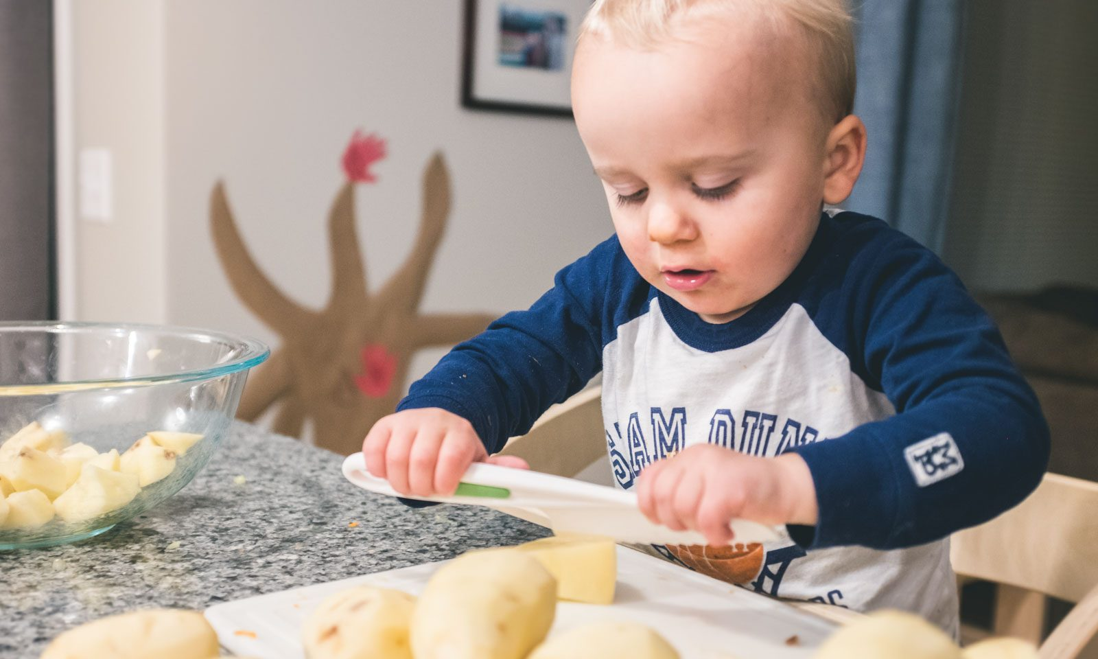 toddler cooking with food allergies using curious chef knives