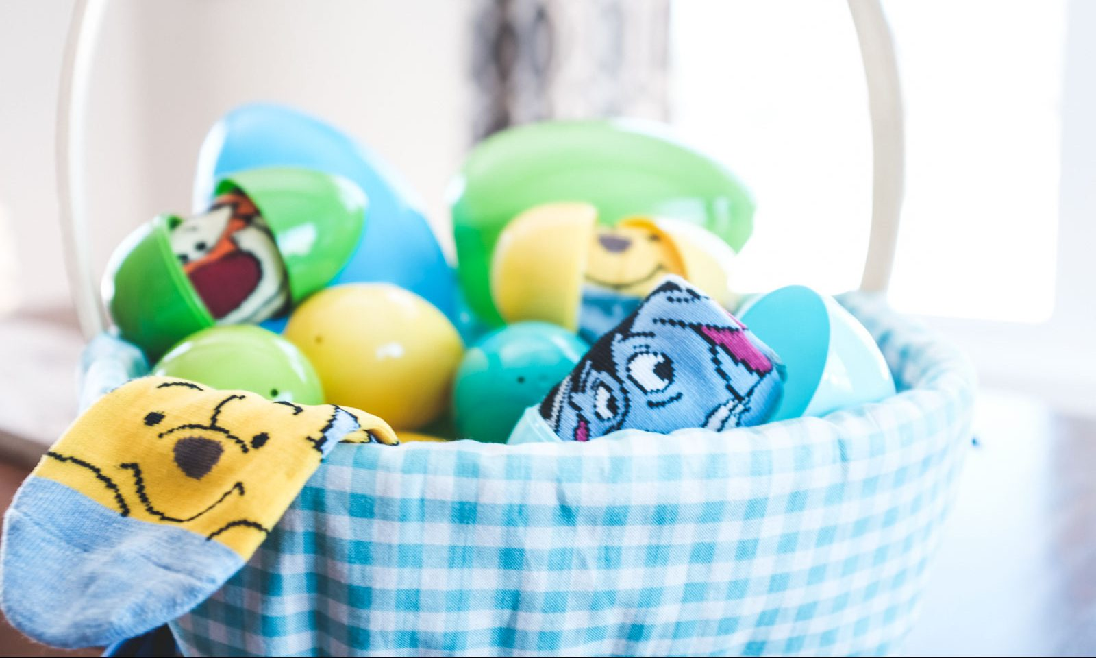 fun and practical ideas for an easter egg hunt with food allergies
